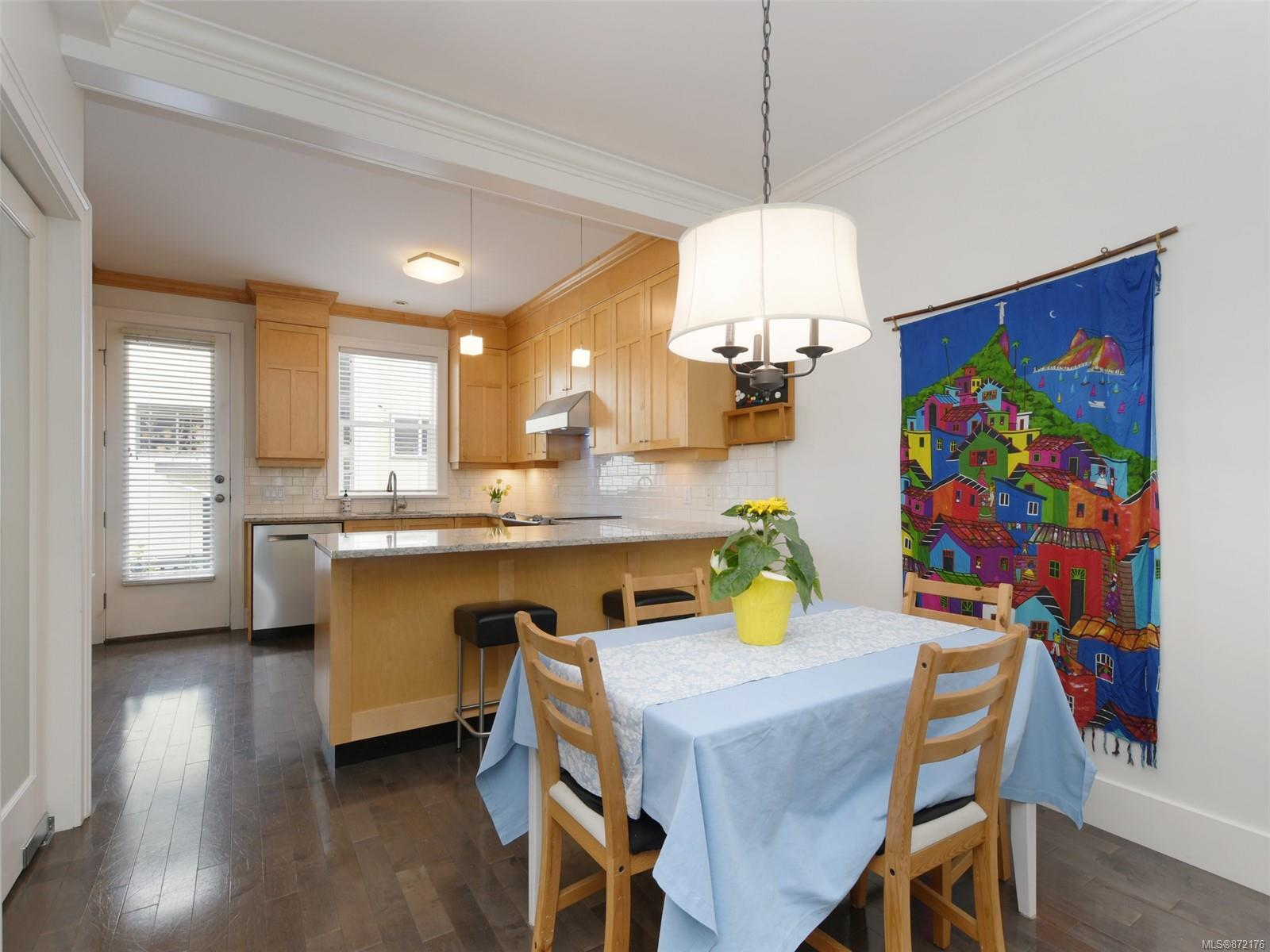 Photo 4 at 2 - 1030 Carberry Gdns, Rockland, Victoria