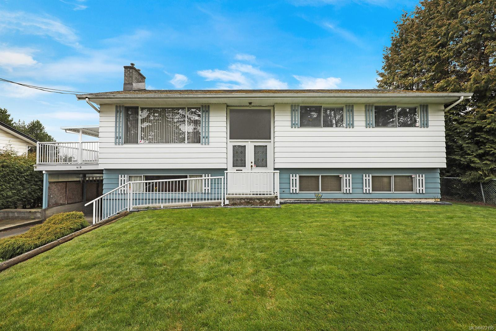 CV Comox (Town of) Single Family Detached for sale:  4 bedroom 2,338 sq.ft. (Listed 2021-04-21)