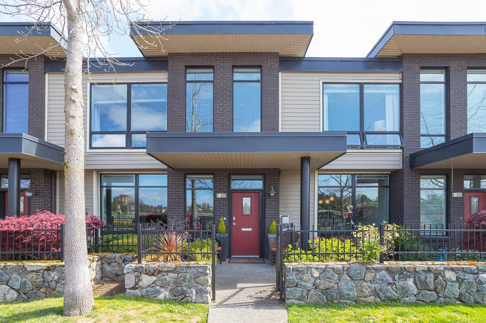 5 - 330 W Waterfront Crescent, Rock Bay, Victoria