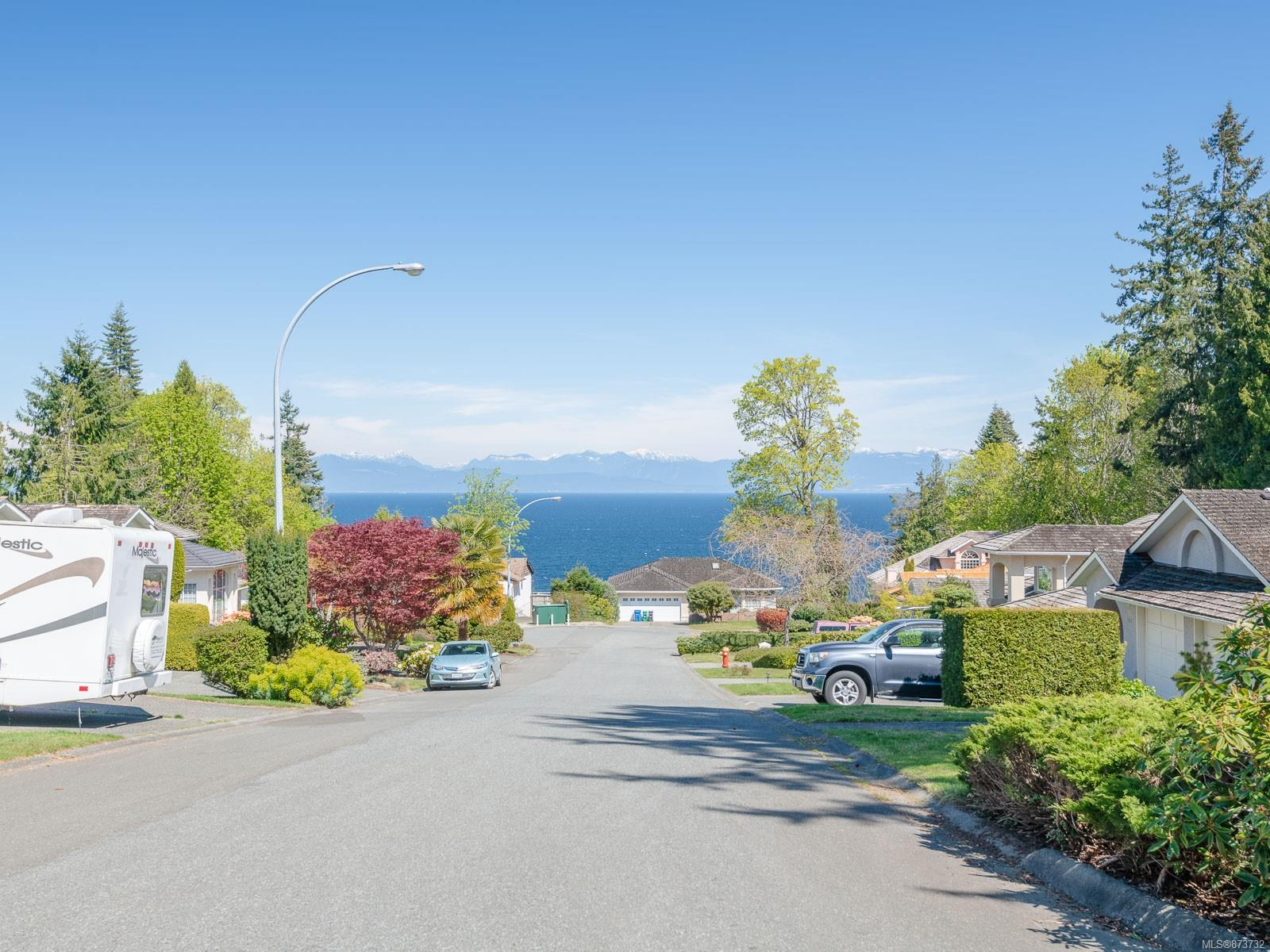 6102 Greenwood Place, Nanaimo photo number 2