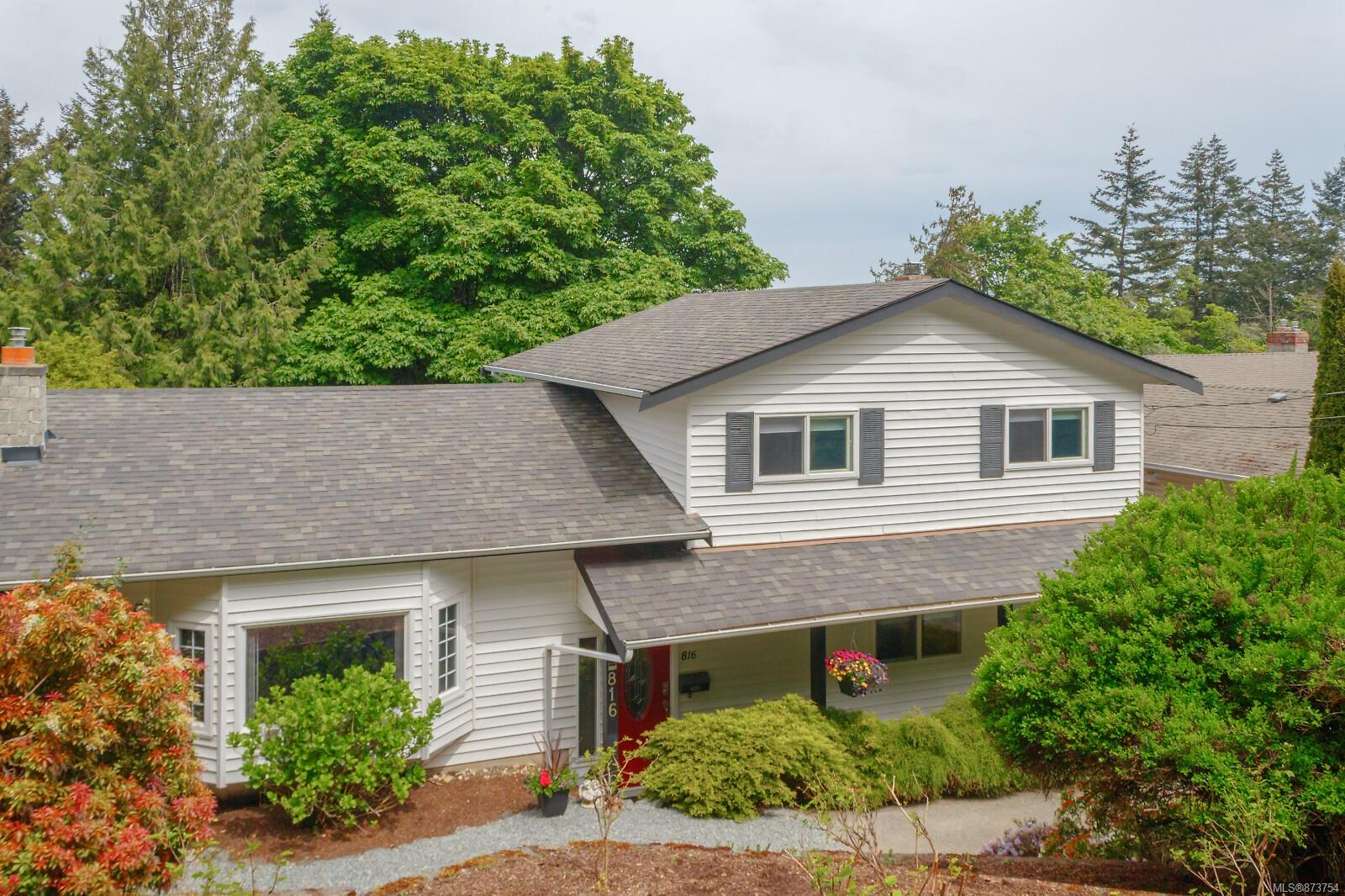 816 Drummond Way, Triangle, Colwood