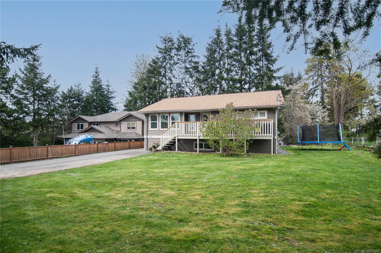 780 Nicholls Road, Campbell River Central, Campbell River photo number 2