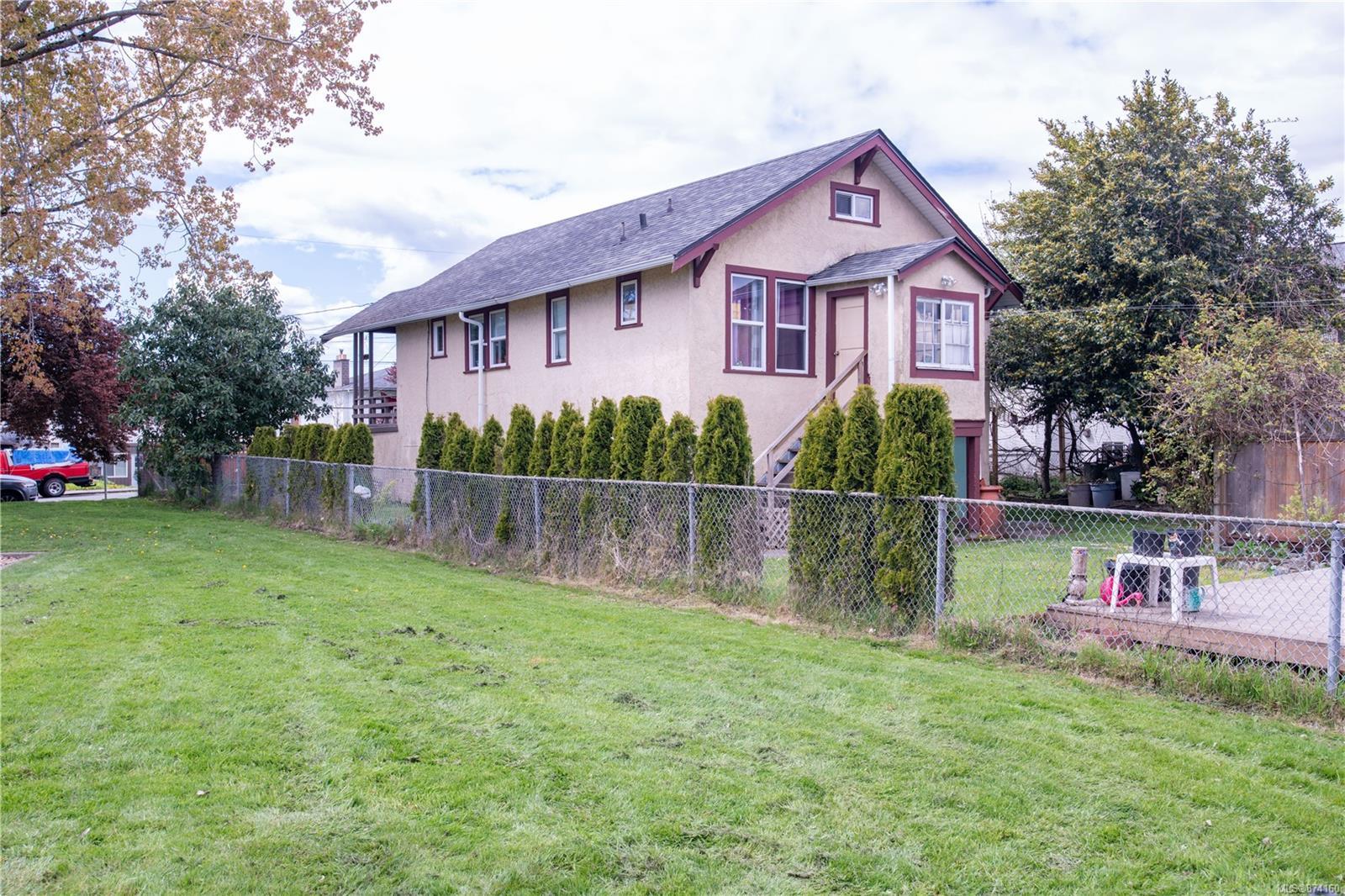 Photo 2 at 518 Sumas Street, Burnside, Victoria