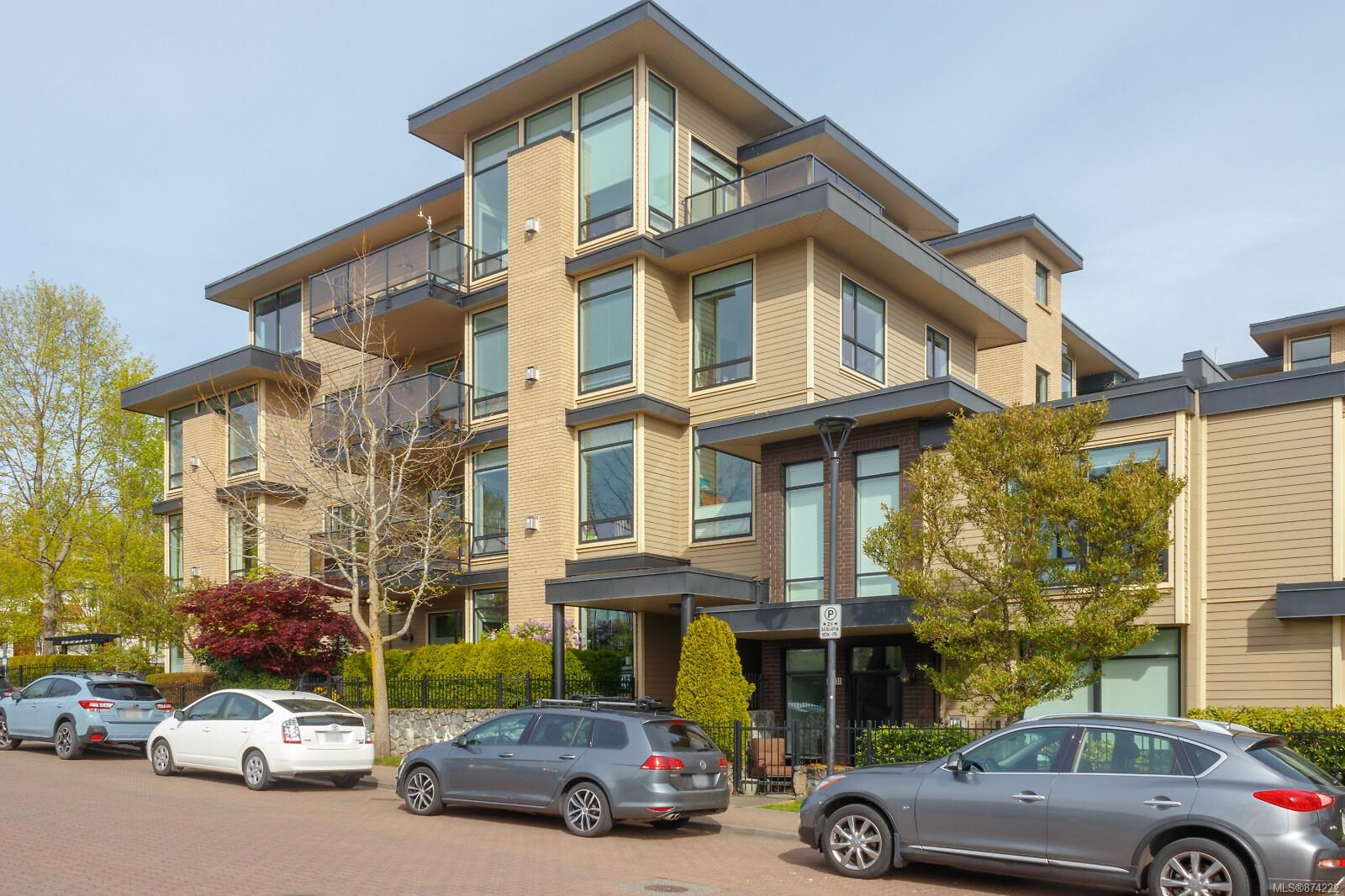 309 - 330 W Waterfront Crescent, Rock Bay, Victoria