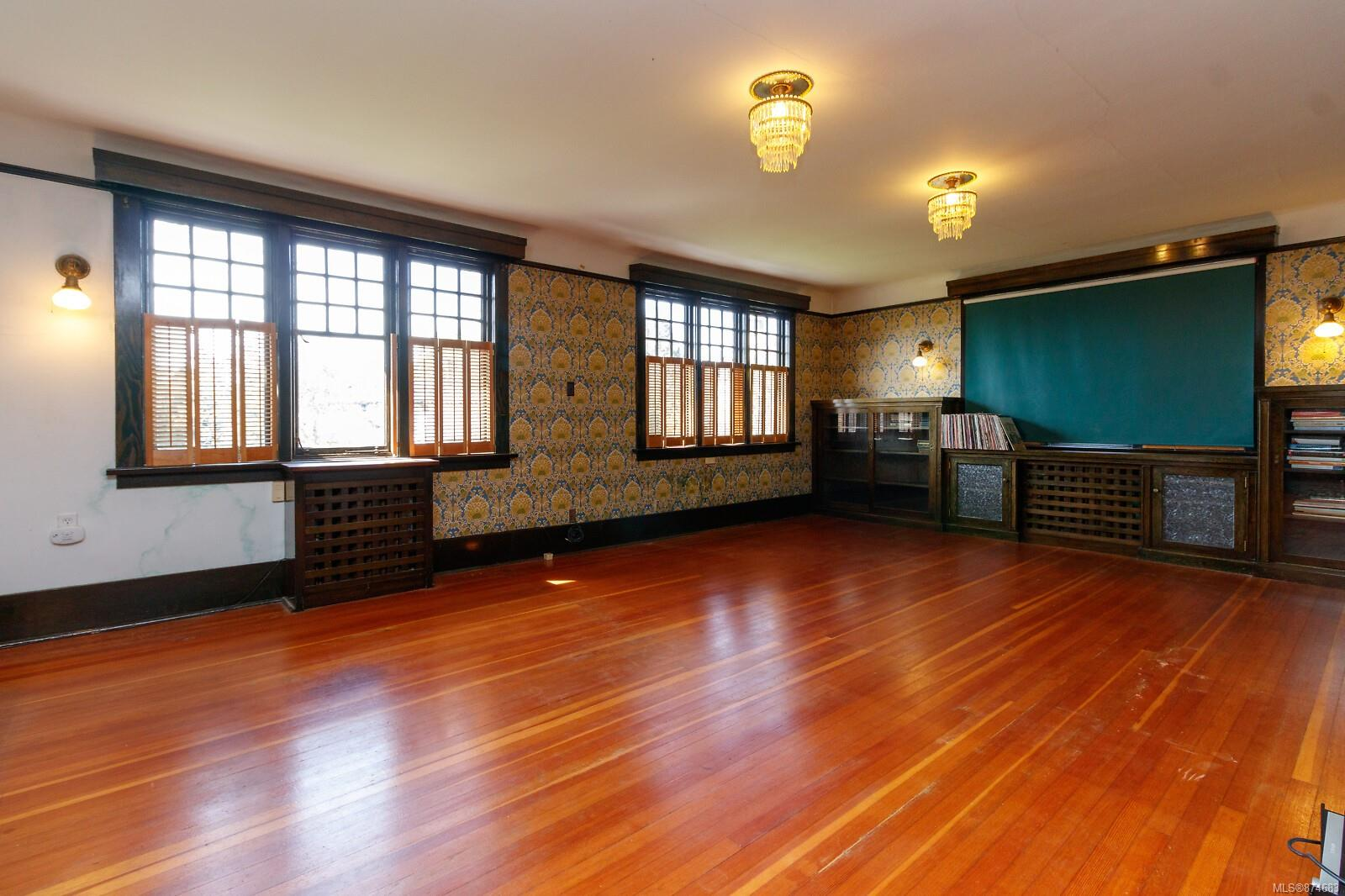 Photo 35 at 3 - 830 St. Charles Street, Rockland, Victoria