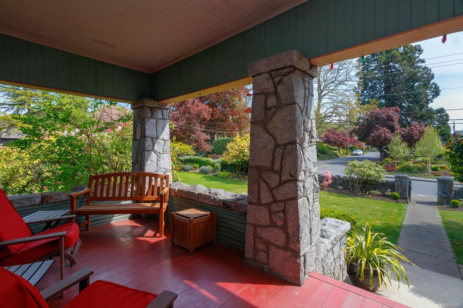 Photo 8 at 3 - 830 St. Charles Street, Rockland, Victoria