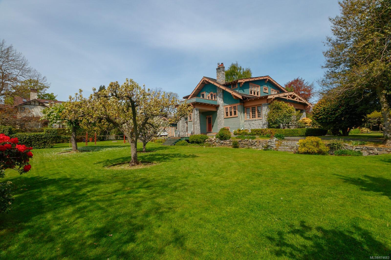 Photo 47 at 3 - 830 St. Charles Street, Rockland, Victoria