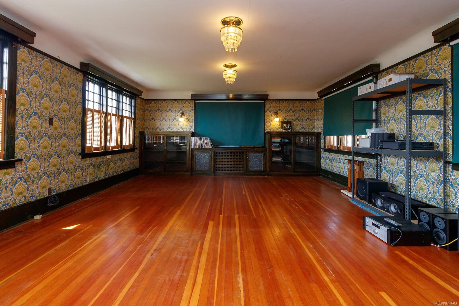Photo 34 at 3 - 830 St. Charles Street, Rockland, Victoria
