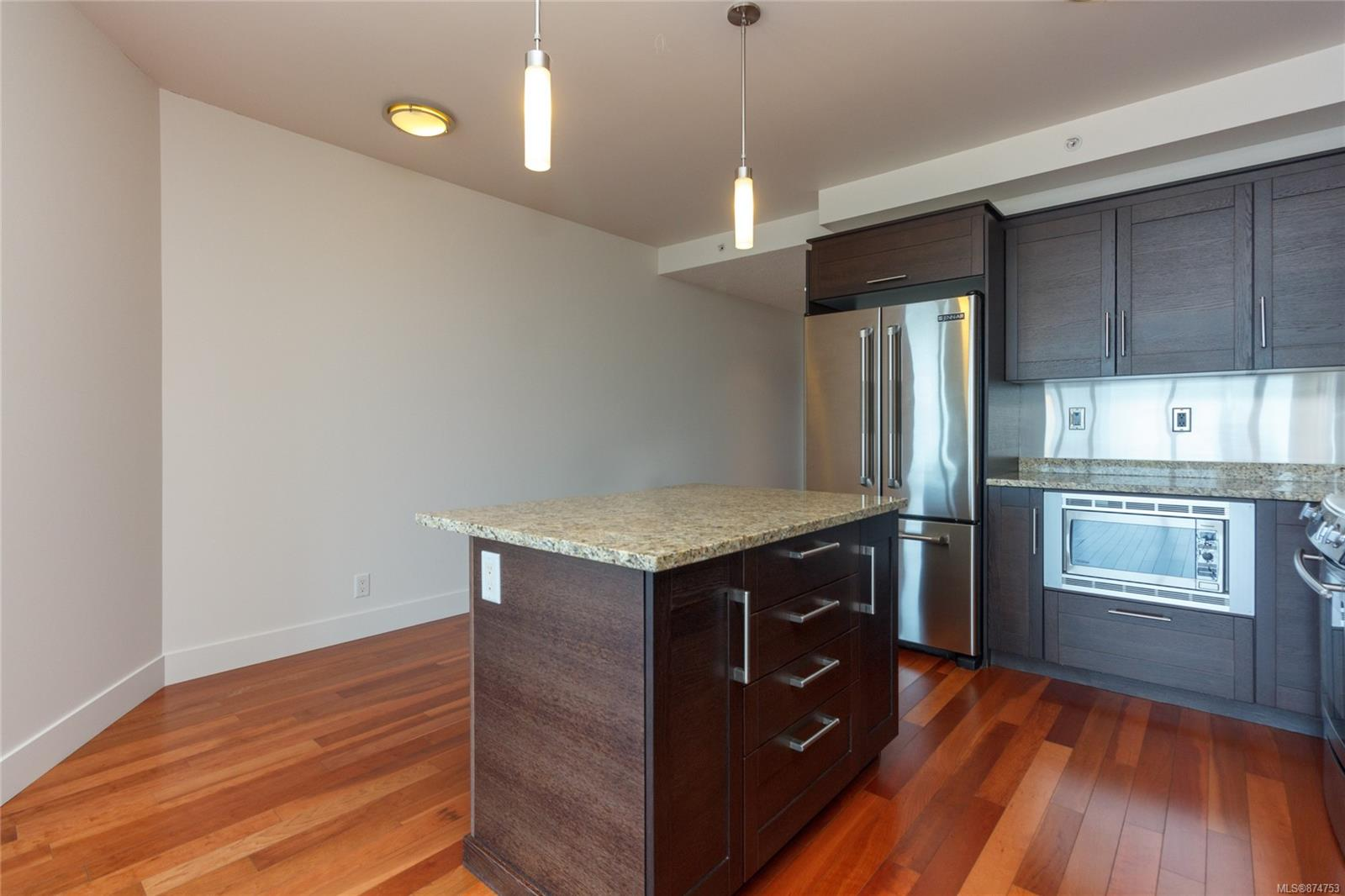 Photo 10 at S906 - 737 Humboldt Street, Downtown, Victoria