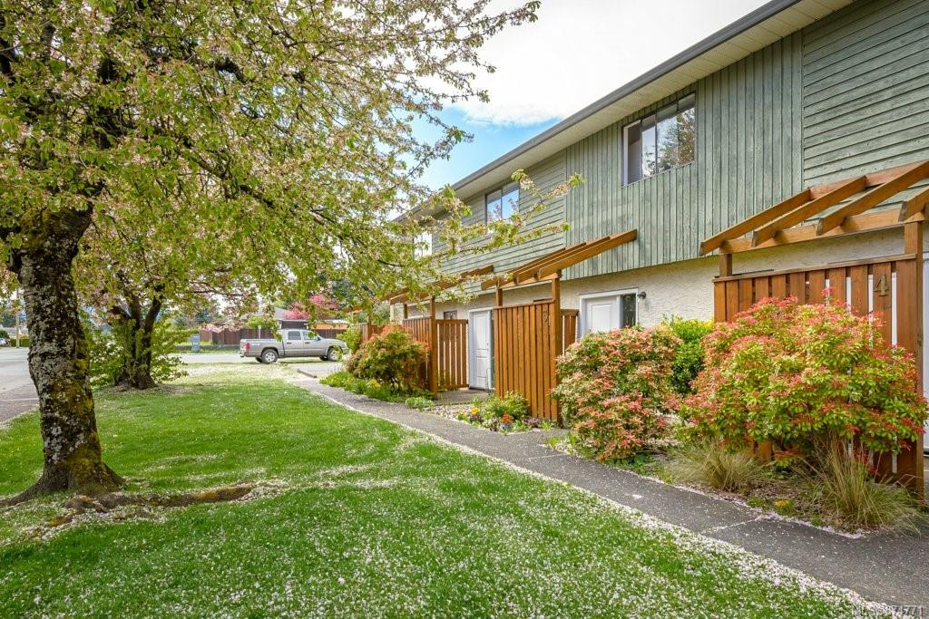 2 - 951 17th Street, Comox Valley photo number 2