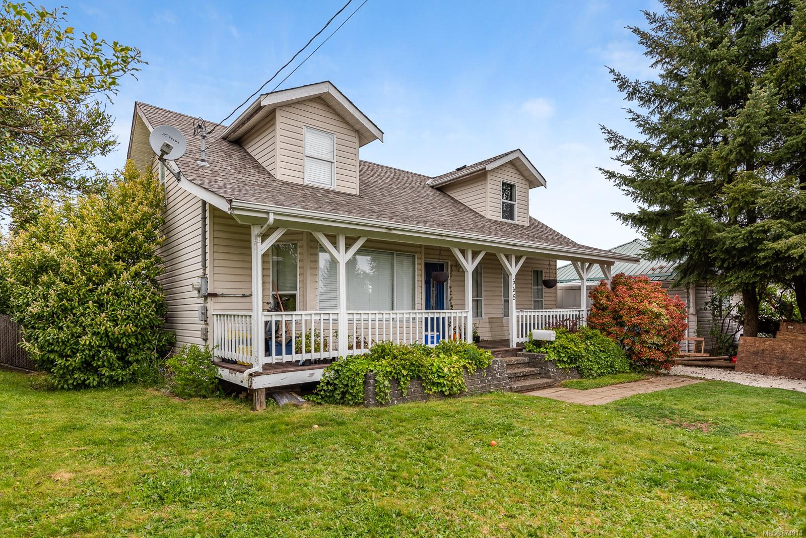 565 17th Street, Comox Valley photo number 2
