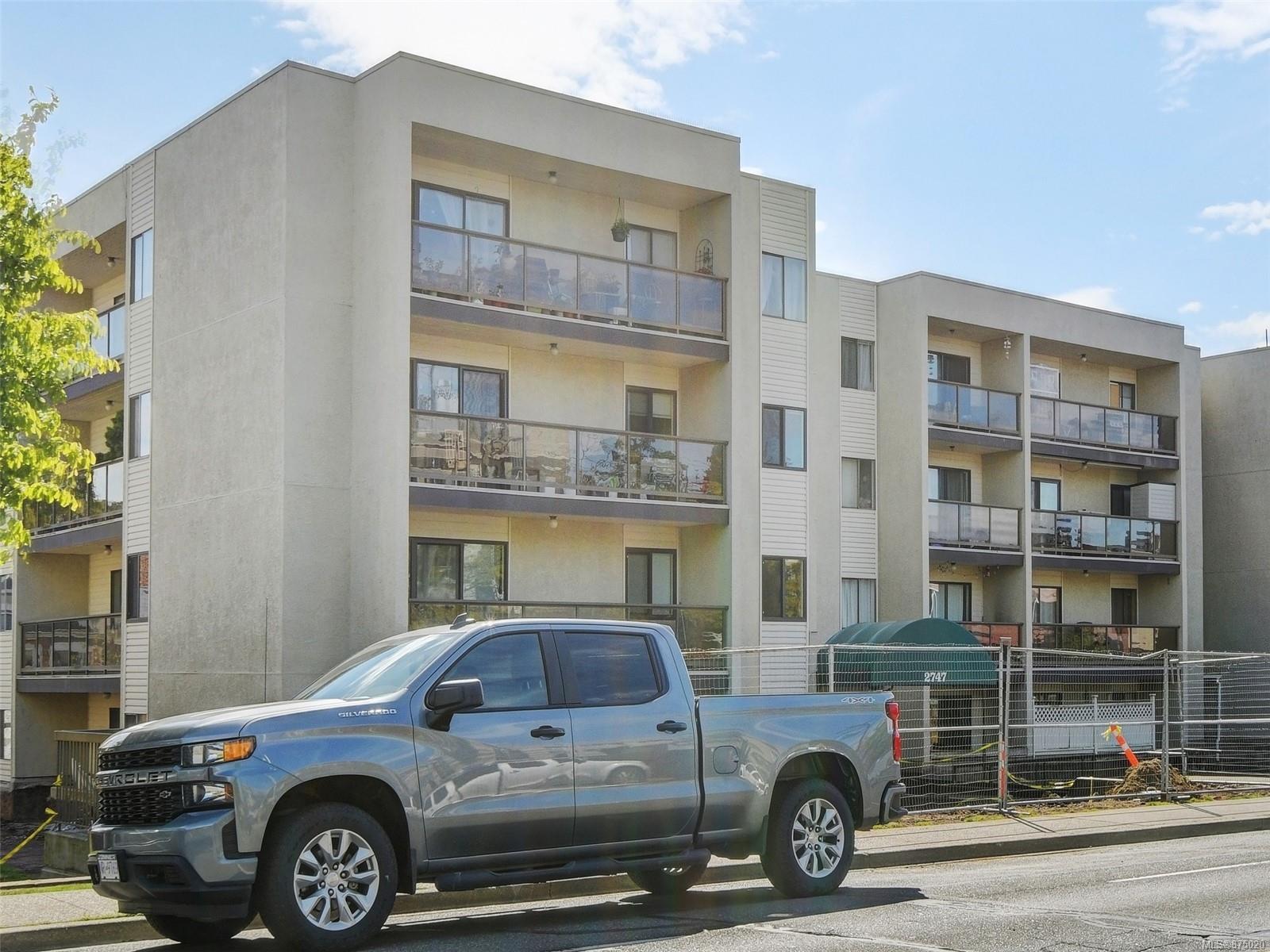 206 - 2747 Quadra Street, Hillside, Victoria