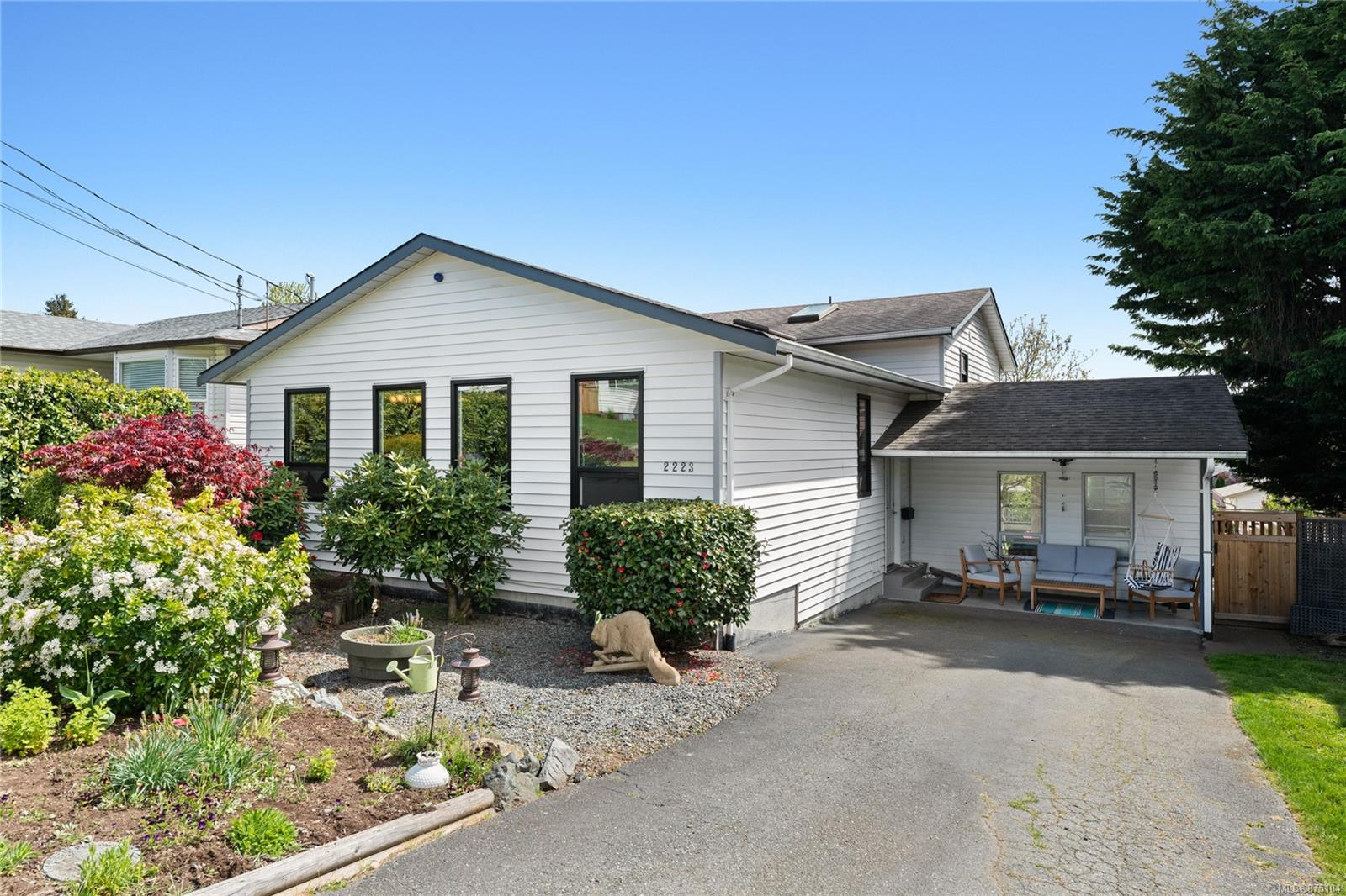 2223 Fern Road, Nanaimo photo number 2