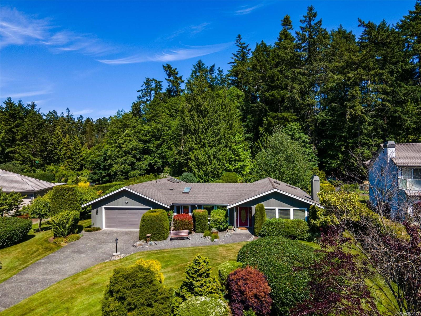 11027 Tryon Place, Curteis Point, North Saanich