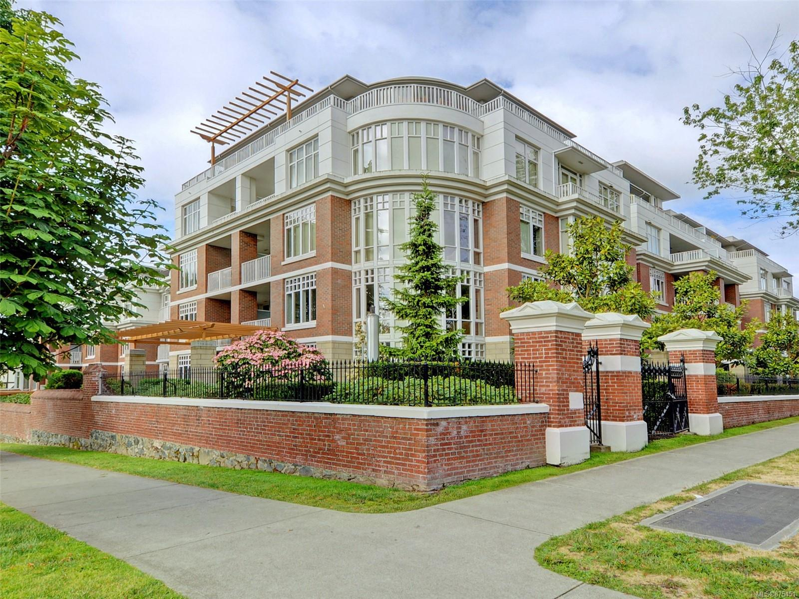 109 - 999 Burdett Avenue, Downtown, Victoria