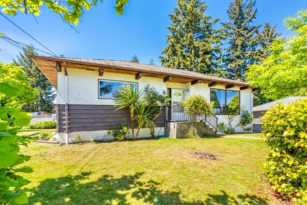17 Thetis Place, Nanaimo photo number 2