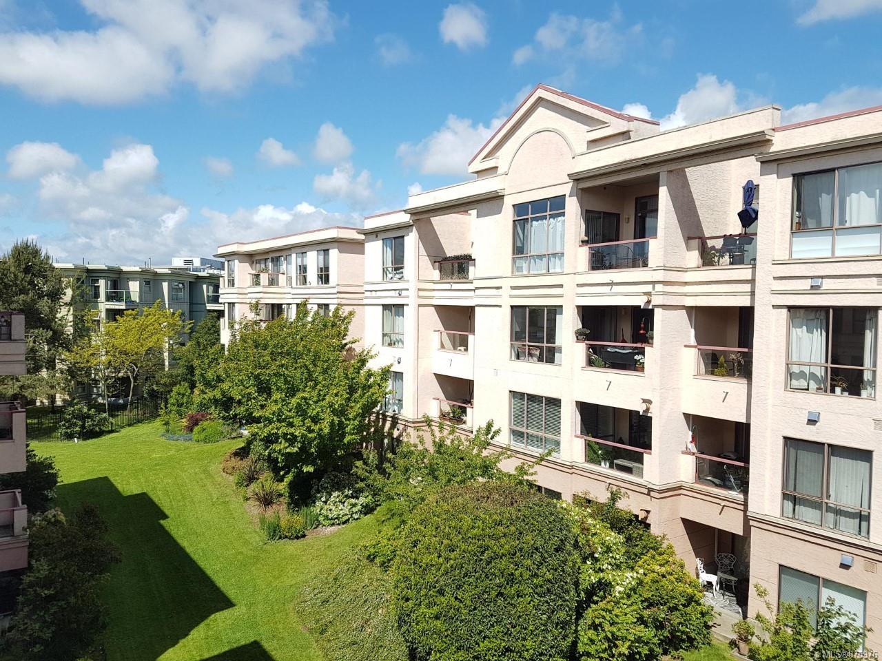 407 - 520 Dunedin Street, Burnside, Victoria