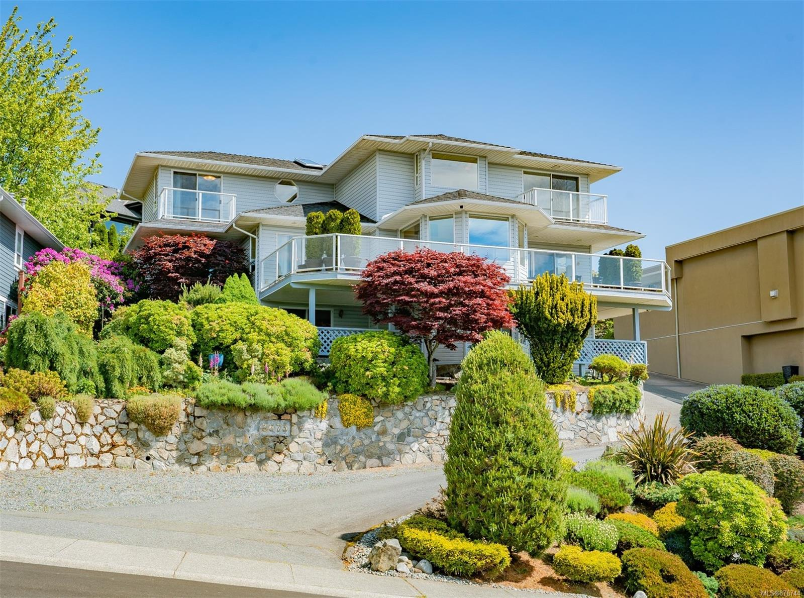 3673 Glen Oaks Drive, Hammond Bay, Nanaimo photo number 2