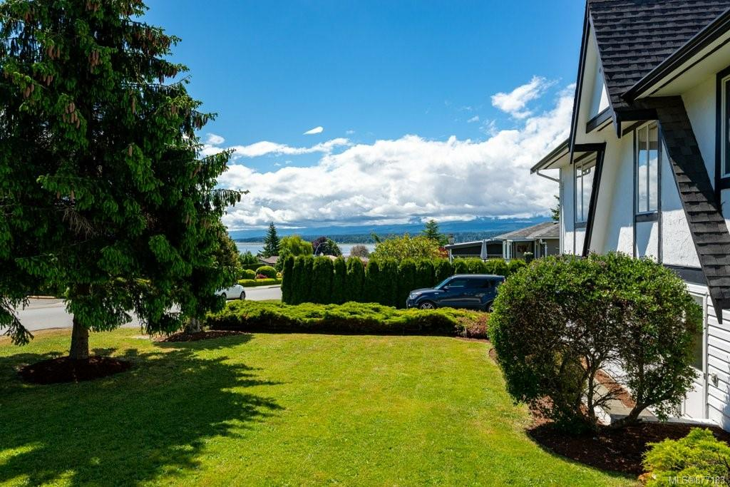 Photo 8 at 243 Beach Drive, Comox (Town of), Comox Valley