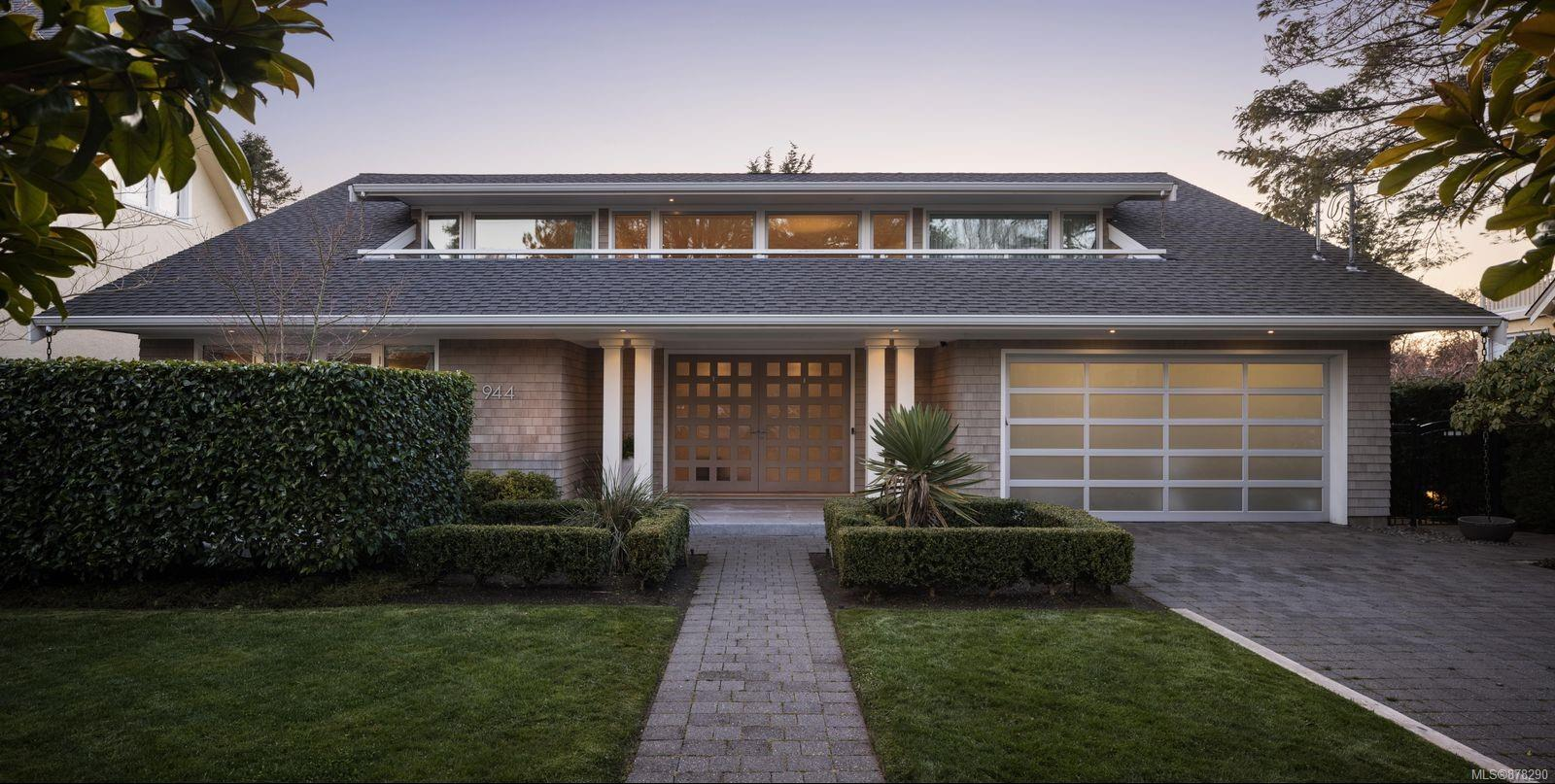 Introducing 944 Island Rd! Pure sophistication is epitomized through this custom built, Malibu inspired South Oak Bay masterpiece! One will be hard pressed to find a comparable to the architecturally designed features throughout. Step through the beautiful oversized pivot-hinged front door & be truly captivated w/the natural light & warmth captured by the 17' ceilings that greet you! Immediately you will be drawn to the exquisite Great room, draped in light through 12' floor-to-ceilings windows, showcasing a Statuario Marble Gas FP & leading to your Western exposed almost 13,000 sq/ft yard! Here you will be impressed by the privacy presented while you relax on one of your 3 Granite patios that overlook the large flat rear yard that is perfect for the kids or an infinity pool! Features include a spa-inspired Primary suite on the main, an elegant kitchen, a family/media room, 2 beds w/their own ensuites upstairs, a private alley in the rear while only steps to VGC, Beach Dr & OB Marina!
