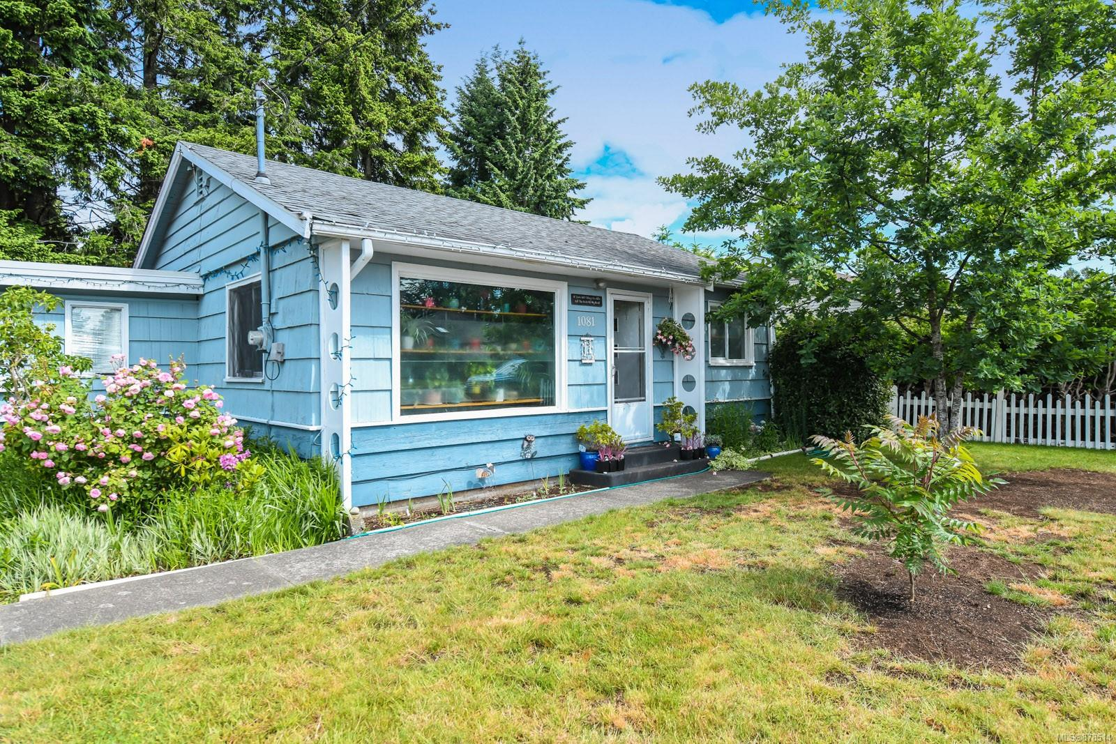 1081 17th Street, Comox Valley photo number 2