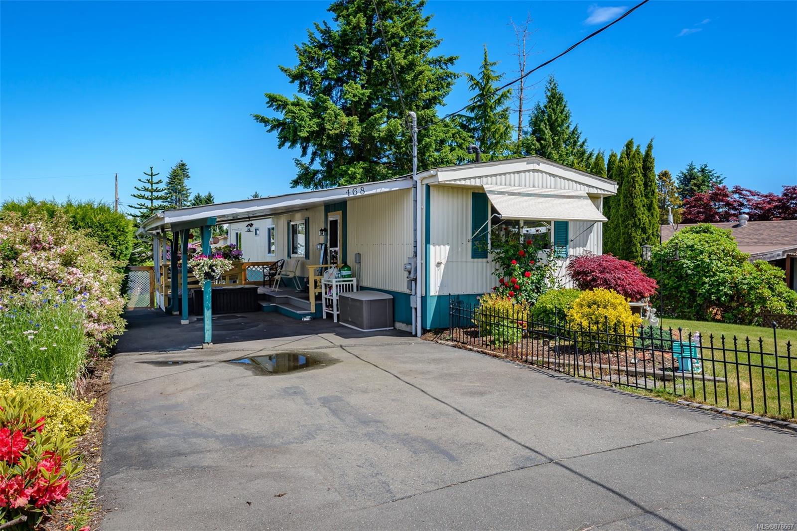 468 Cowichan Avenue, Comox Valley photo number 2