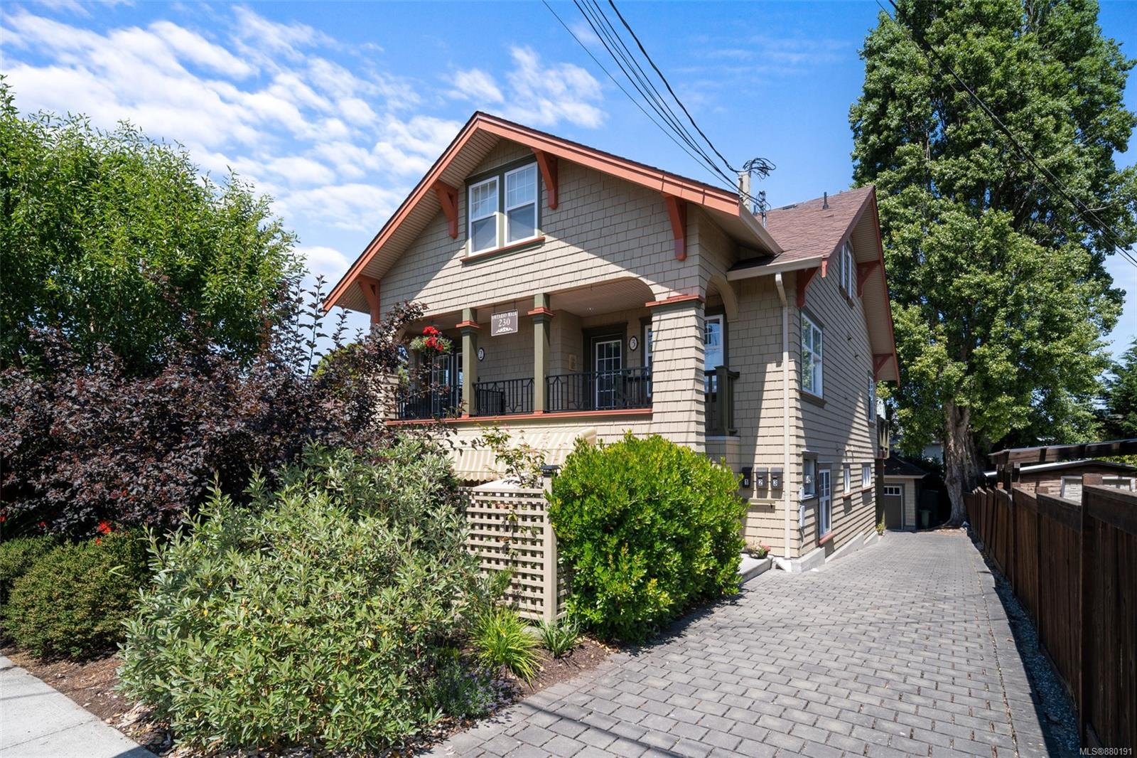 1 - 230 Ontario Street, James Bay, Victoria photo number 2