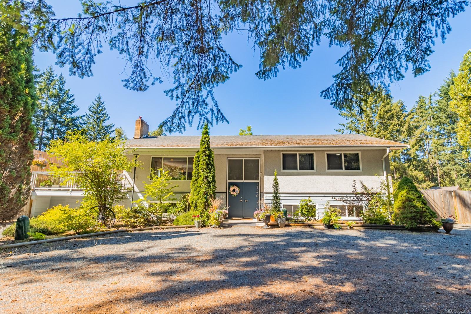 1746 Fry Road, Nanaimo photo number 2