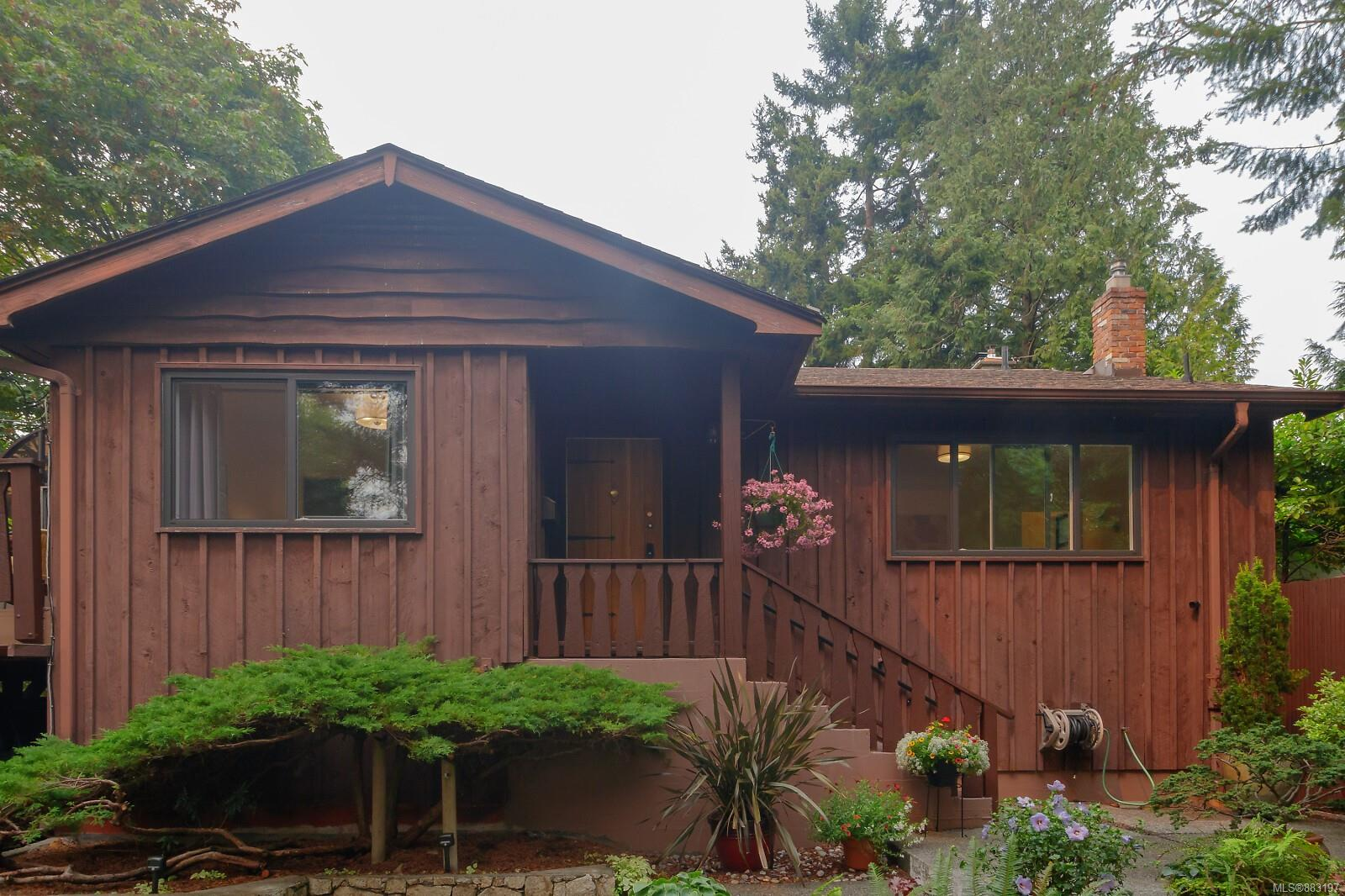 Lovingly maintained three bedroom home