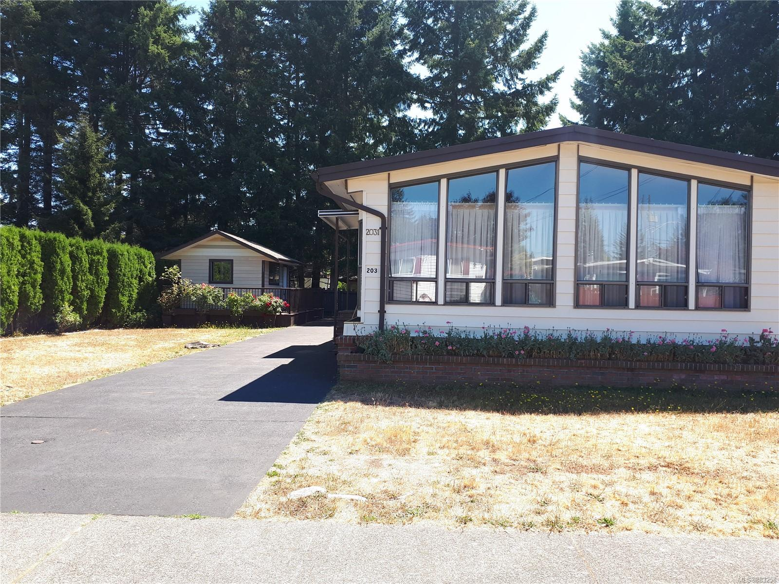 2031 E 6th Street, Comox Valley photo number 2