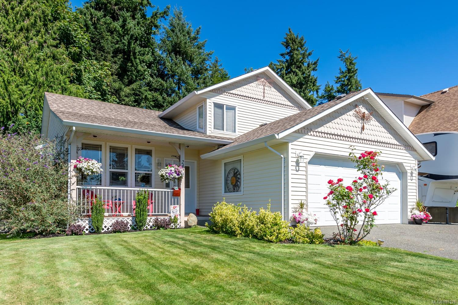 2496 E 9th Street, Comox Valley photo number 2