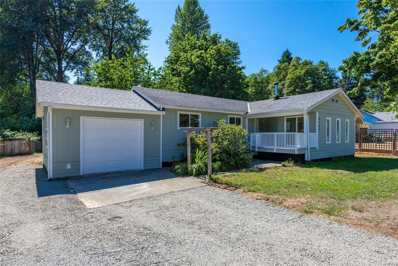 4765 Wimbledon Road, Campbell River South, Campbell River photo number 2