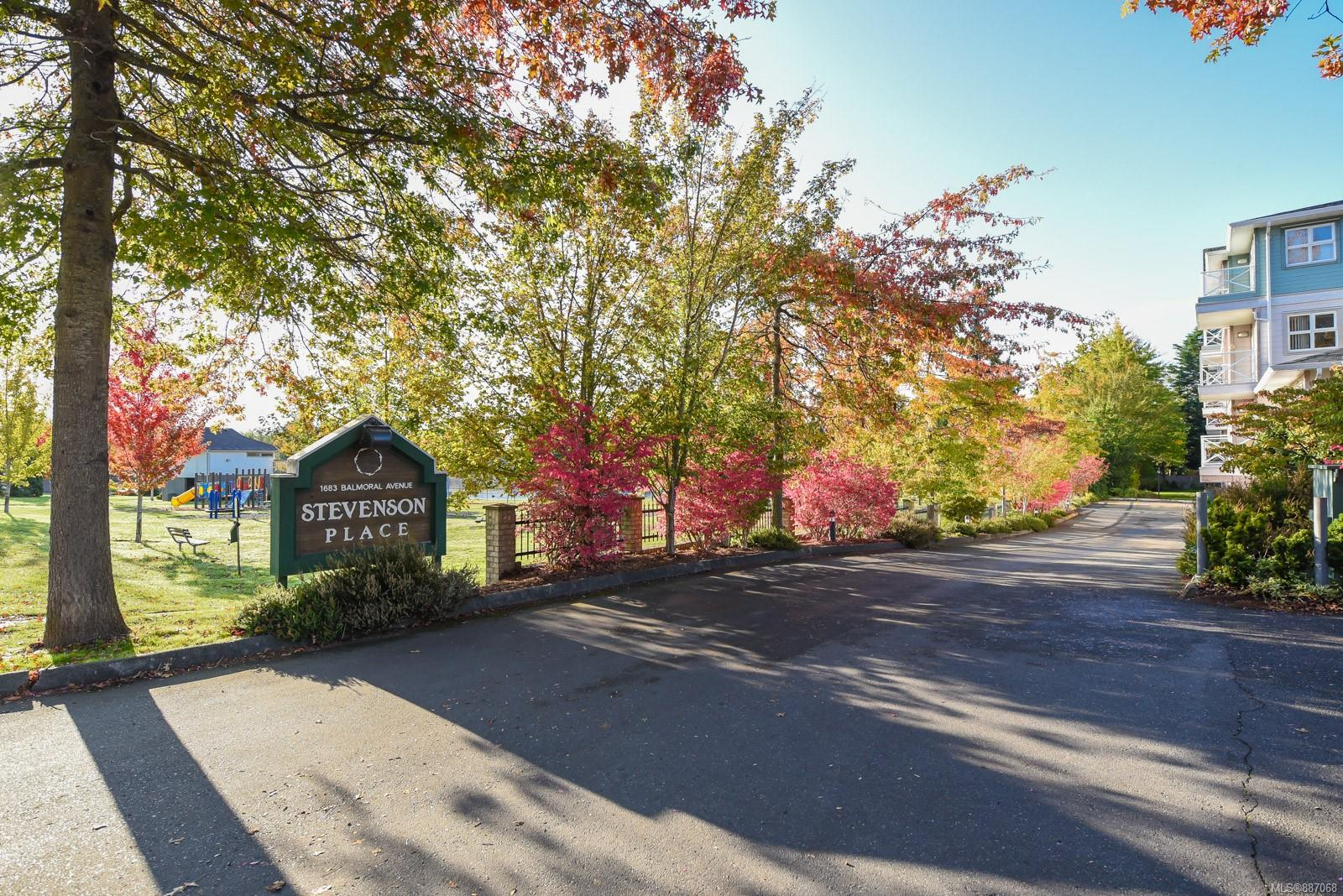 This bright 1 bedroom third floor unit has great access and is located beside the laundry facilities and elevator. If you are 55 and would still like some independence and supportive services then this is the place for you. Located in the heart of Comox you are within walking distance to all amenities like the Comox Mall, full-service grocery stores, restaurants and medical. Stevenson's place provides supportive services through Nova Pacific Care. These services include evening meals daily, weekly housekeeping and laundering of  sheets and towels, 24-hour on site staffing for security and response to emergencies. There is also a separate guest suite available for visitors to rent. Owners/tenants also have a air salon and secure parking available to them on site. One small dog or cat is allowed with approval.