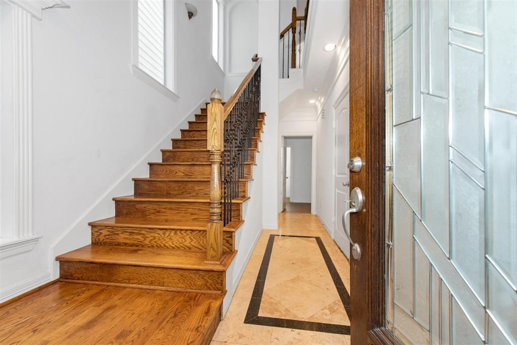 6118 Tyne Street, Houston, TX 77007 - Property Listing at The Reyna Group