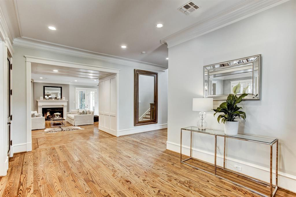 510 Timber Terrace Road, Houston, TX 77024 - Property Listing at The Reyna Group