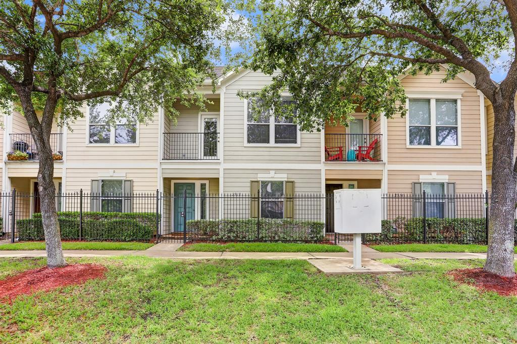 2918 Clay Street, Houston, TX 77003 - Property Listing at The Reyna Group