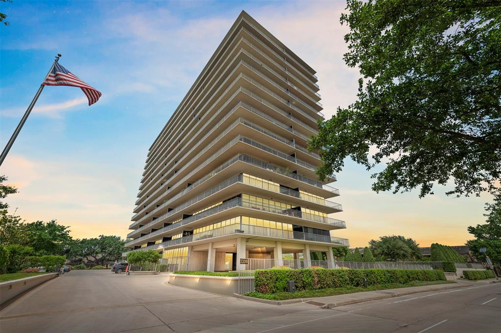 2200 Willowick Blvd Road, Houston, TX 77027 - Property Listing at The Reyna Group