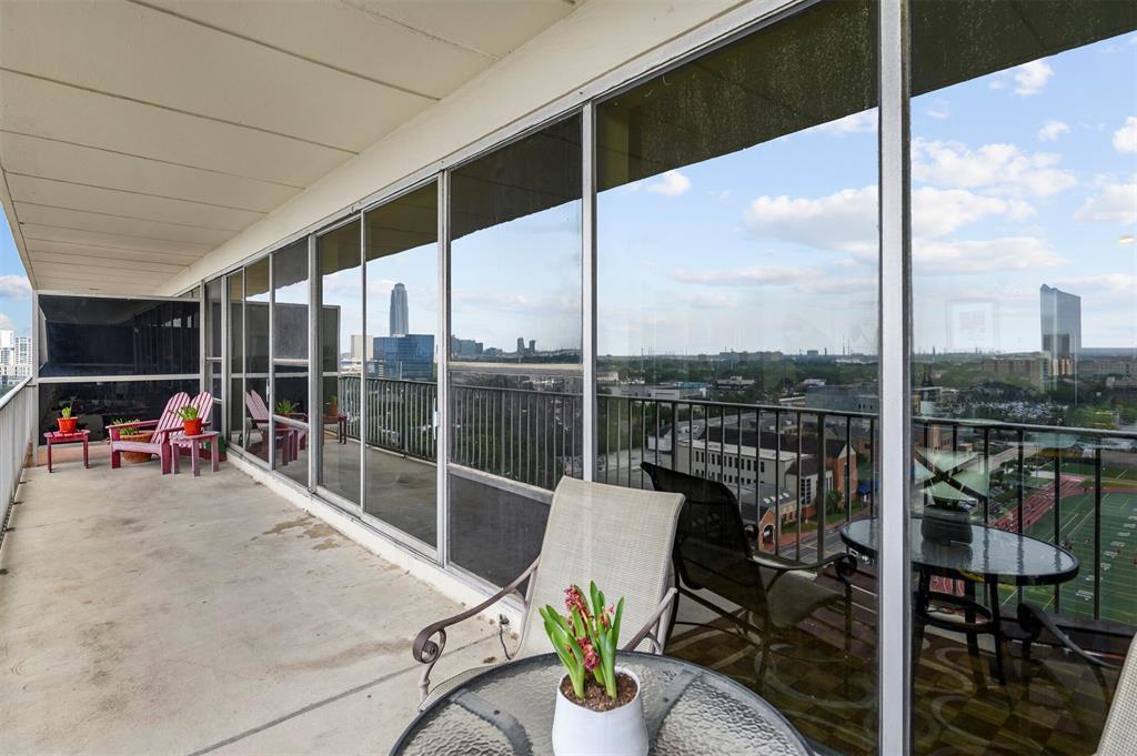2200 Willowick Blvd Road, Houston, TX 77027