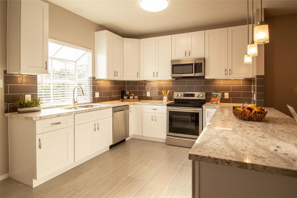 2100 Huldy Street, Houston, TX 77019 - Property Listing at The Reyna Group