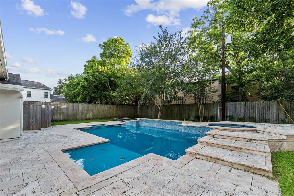 1531 Auline Lane, Houston, TX 77055