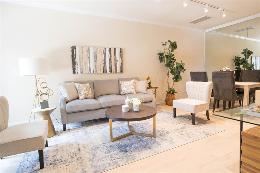 2108 Stanford Street, Houston, TX 77006 - Property Listing at The Reyna Group
