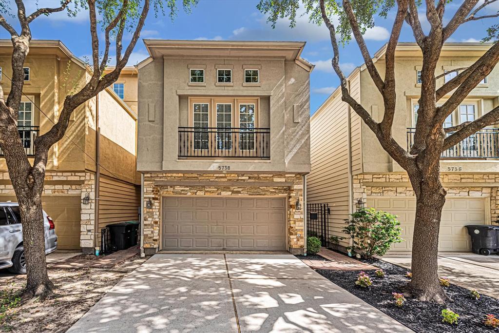 5738 Kiam Street, Houston, TX 77007 - Property Listing at The Reyna Group