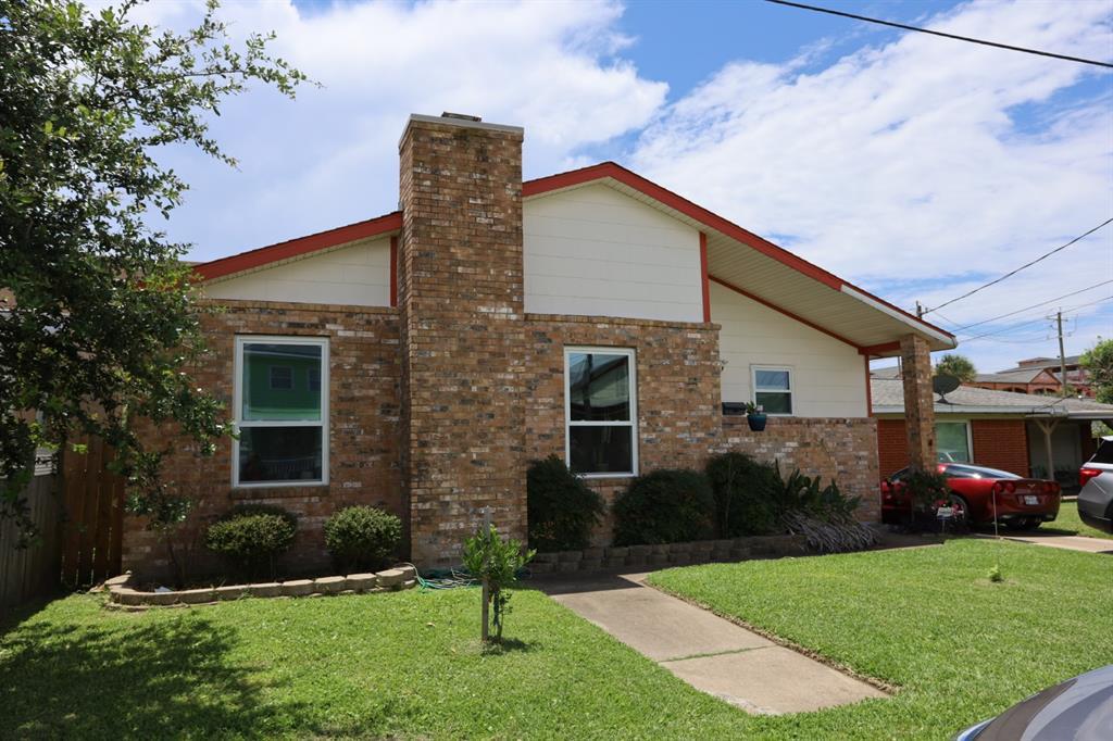 5803 Maco Street, Galveston, TX 77551