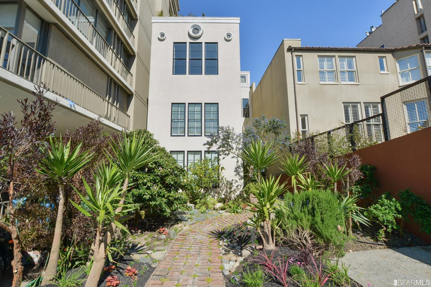 8 Russian Hill Place # 3