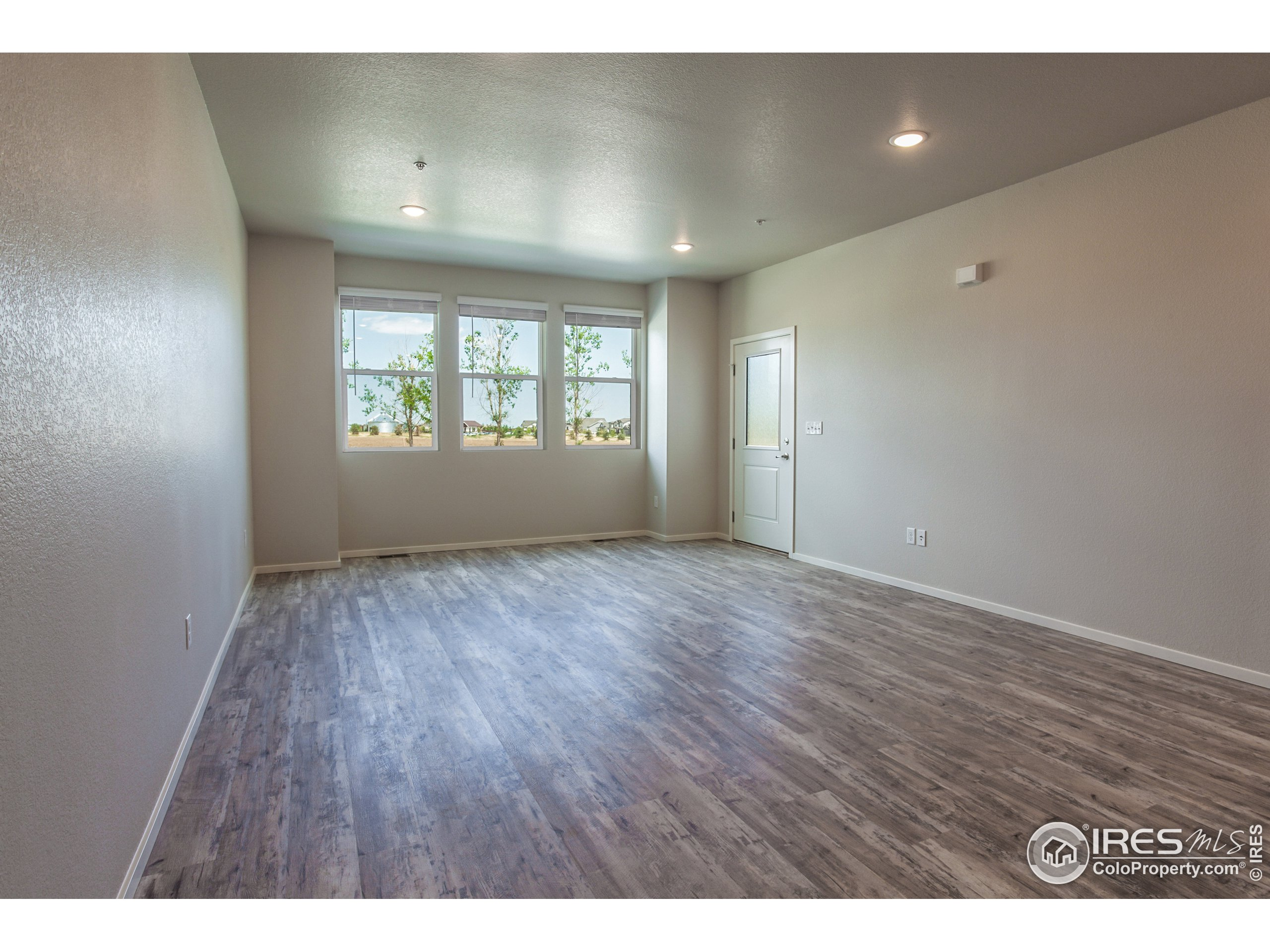 EXAMPLE PHOTOS: LIVING ROOM