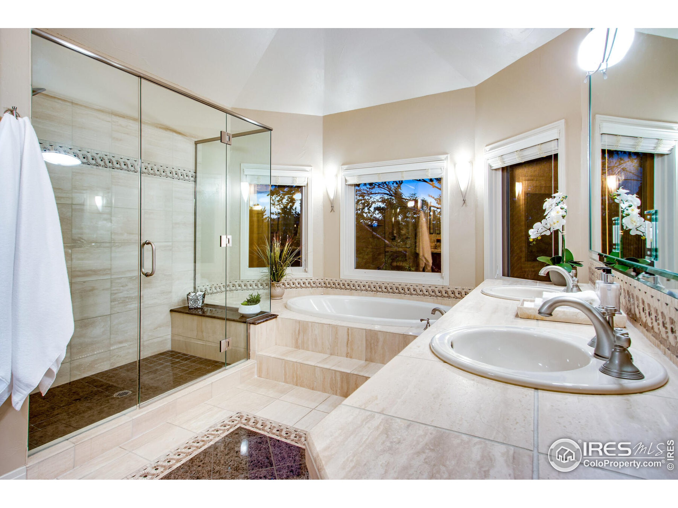 Luxurious Spa Bath with Jacuzzi Tub, Large shower and heated floors