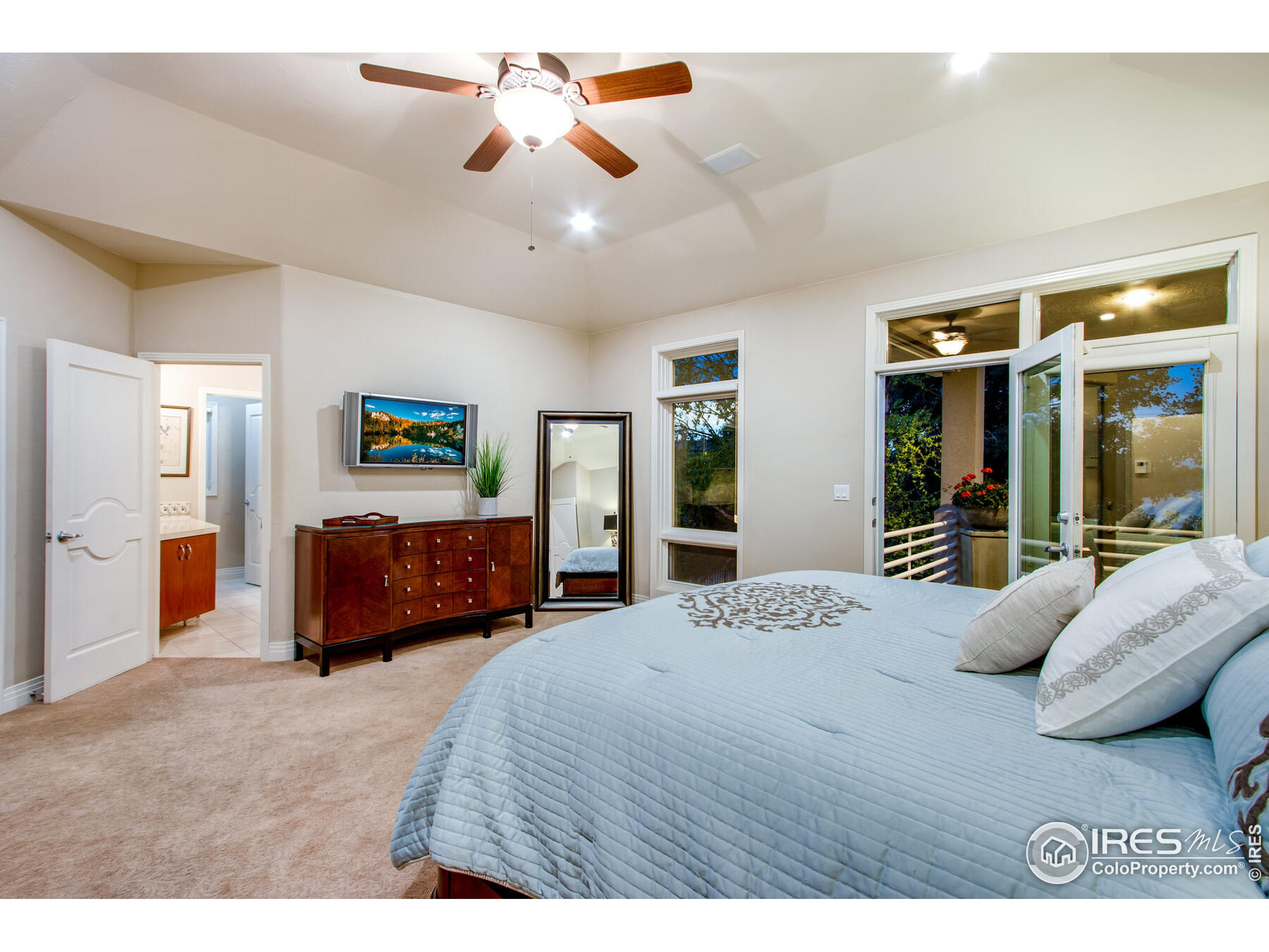 Tranquil, Large Primary Suite with private access to upper balcony