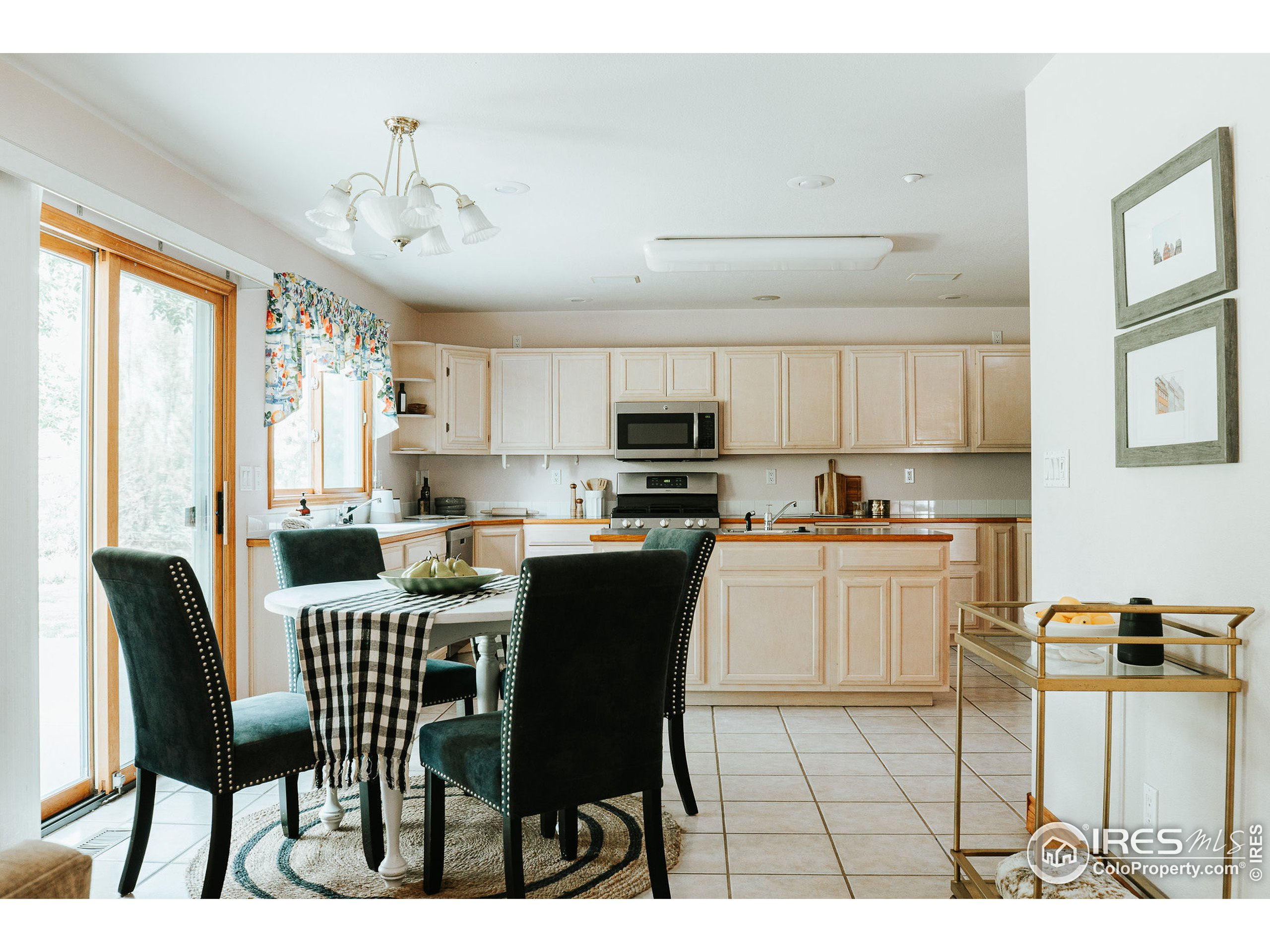 Eating Space in Kitchen