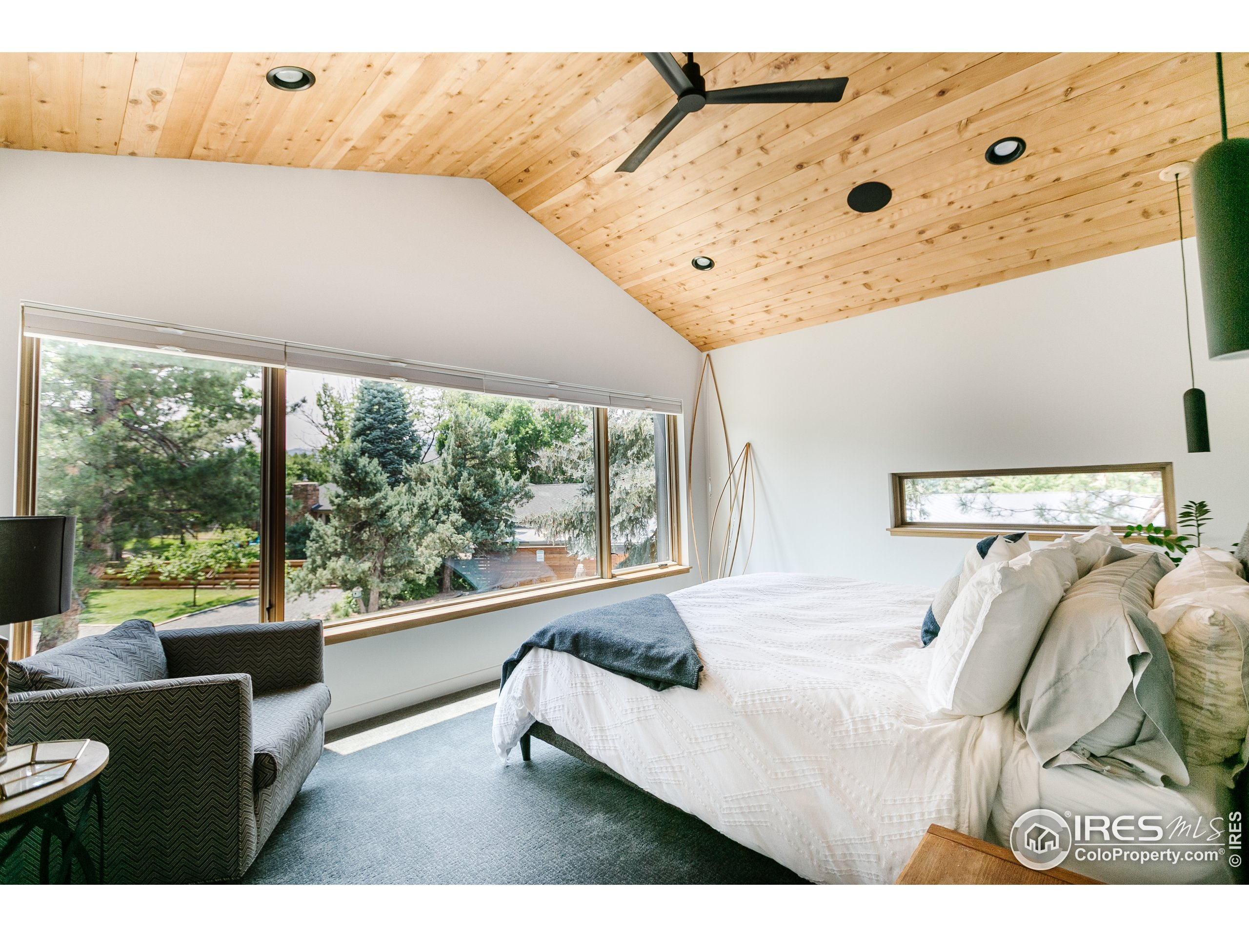 Master suite with sweet views....