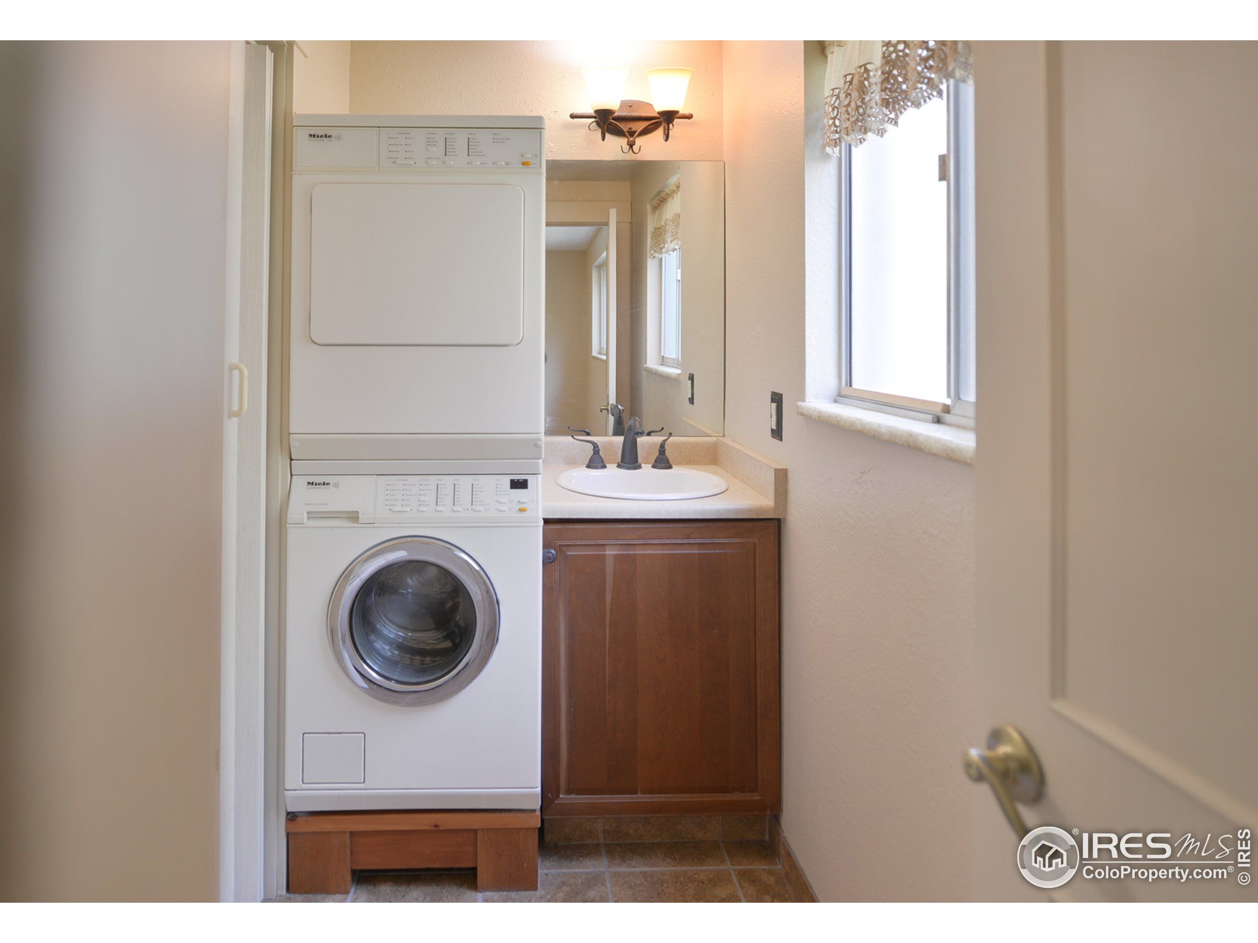 Laundry room and 2nd bath room